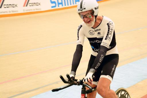 Championnats du Mexique : A 75 ans, il bat trois records du monde en cyclisme sur piste (2 km et 200m)