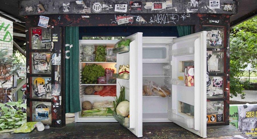 lebensmittelretten-berlin-gaspillage-alimentaire-frigo-libre-service-1