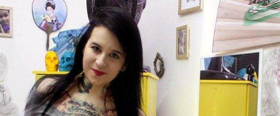 http://www.huffingtonpost.com/jornalismo-de-rede-e-rua/tattoo-artist-domestic-violence-survivors_b_8033004.html