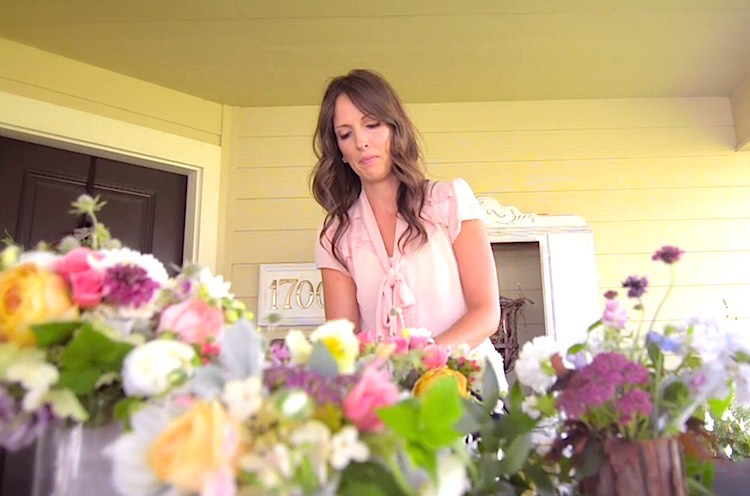http://www.goodnewsnetwork.org/shes-delivering-wedding-flowers-to-the-elderly/