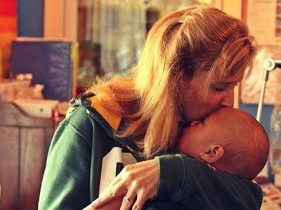http://www.wsoctv.com/news/news/national/family-opens-home-dying-children/npxCq/