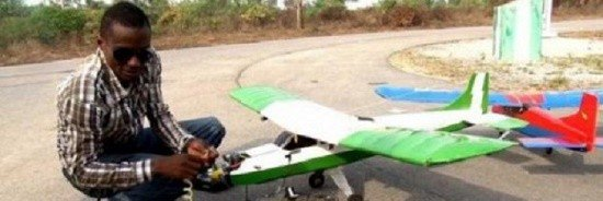 https://ecceafrica.com/aghogho-ajine-nigerian-autodidacte-fabrique-mini-avions/#.VtQJWPnhDIU